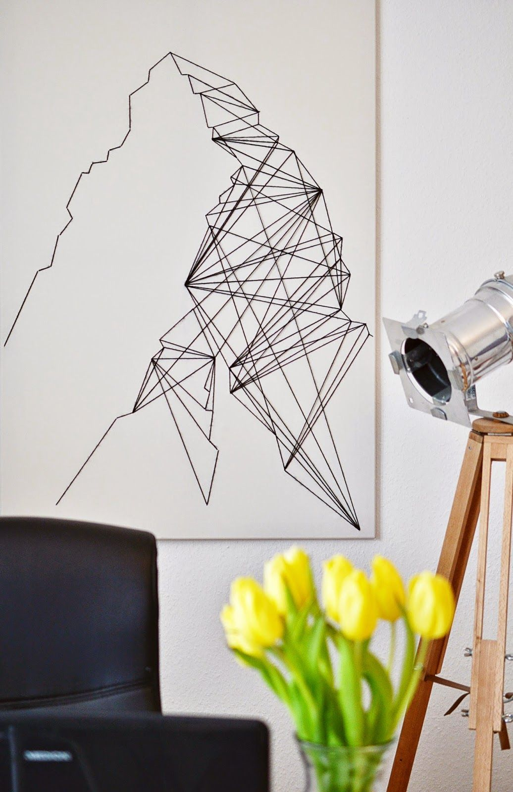DIY Geometric Wall Art, All You Need Is A Canvas And Some Yarn, Super Easy  Abstract Art!