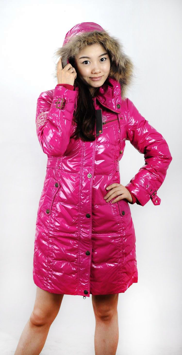 Nice outerwear is coming.On need $69.58.Long Down Jacket With Fur Collar,Button And Zipper Parkas For Women Winter Clothing Purple Color,White Duck Down Hot Sale.Product material: 100% nylon. The material composition: 100% polyester. Packing: white duck down. Contain fabric quantity: 80% white duck down.Size:S/M/L/XL