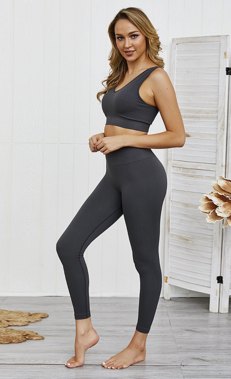 Move it V-Neck Sports Bra and Leggings Combo - Med