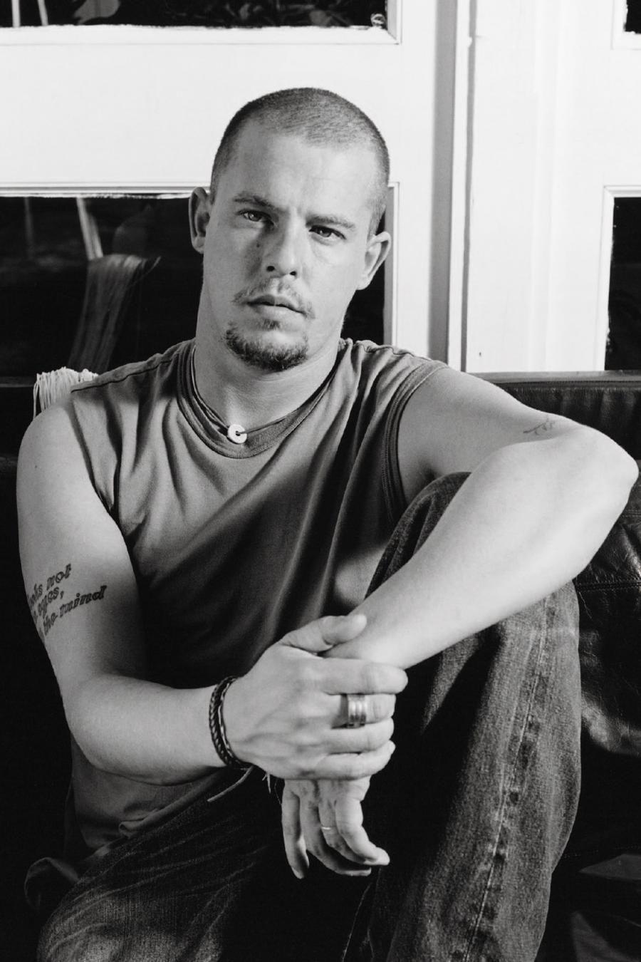 Alexander McQueen новые фото