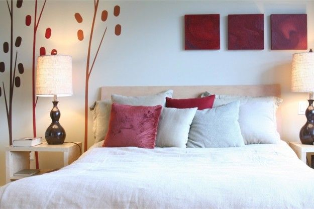 idee per arredare la camera da letto - camera con quadretti e ... - Quadri Feng Shui Per Camera Da Letto