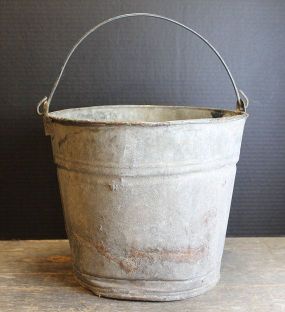 Vintage Zinc Galvanized Bucket With Handle // Old Rustic by MyBarn