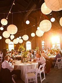 Sfeervol en romantisch! Witte lampionnen met led verlichting op je ...
