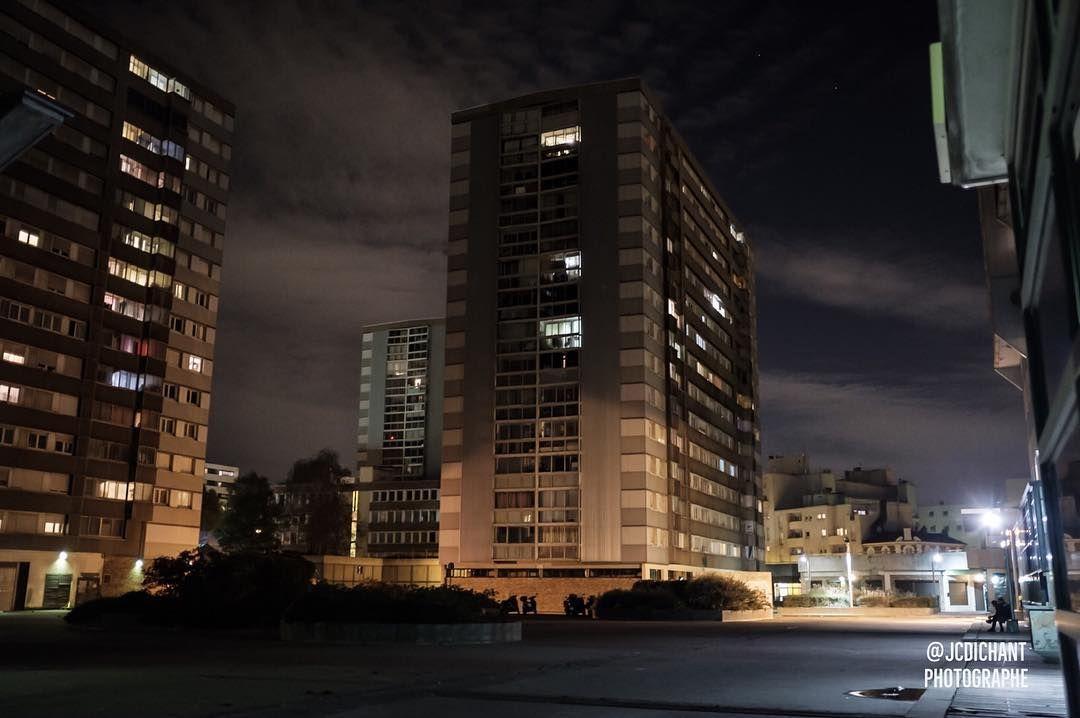Une nouvelle photo pour alimenter la série Dalle Robespierre la nuit à Vitry  sur Seine.