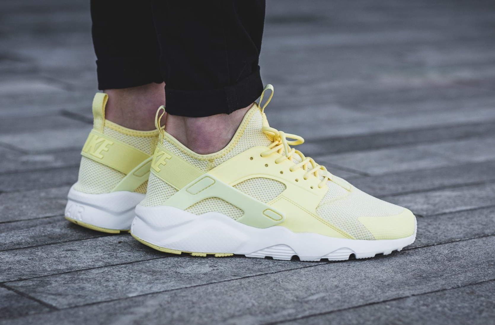 e9f17f60265e Nike Air Huarache Ultra Breeze Lemon Chiffon