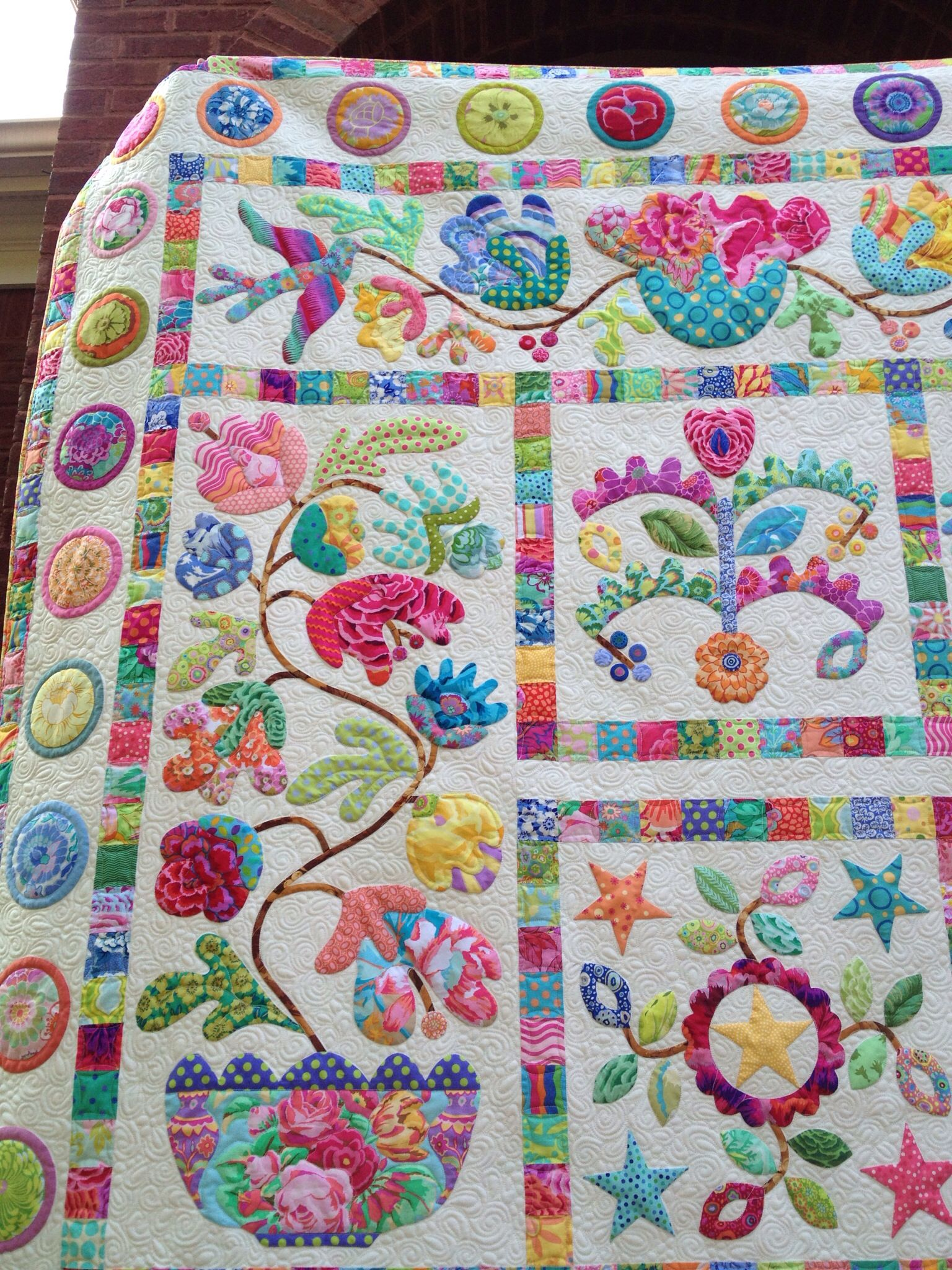 Well here it is my finished Flower Pots quilt by Kim McLean. This ... : flower patchwork quilt - Adamdwight.com