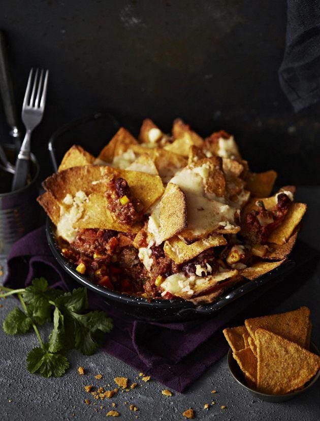 Härkäpavuista valmistettu jauhelihan vegekorvike muhevoittaa meksikolaishenkisen padan.