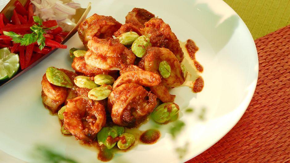 Pin by jayne goetze on international crusine pinterest asian recipes prawn recipesspicy recipesasian food channelindonesian forumfinder Gallery