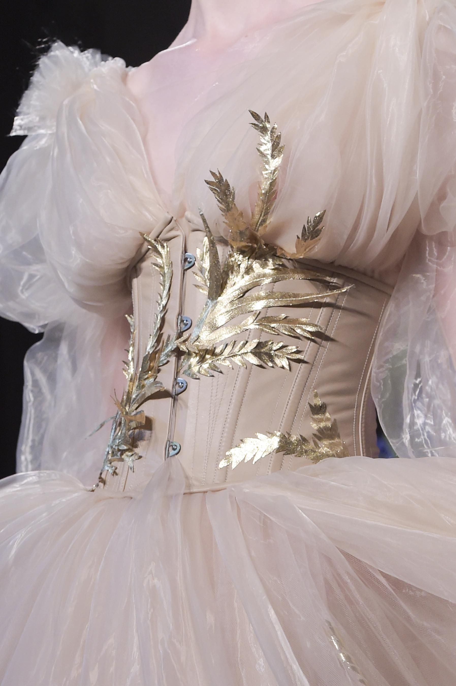 Défilé Guo Pei Automne-hiver 2017-2018 Couture – Fits your own style …