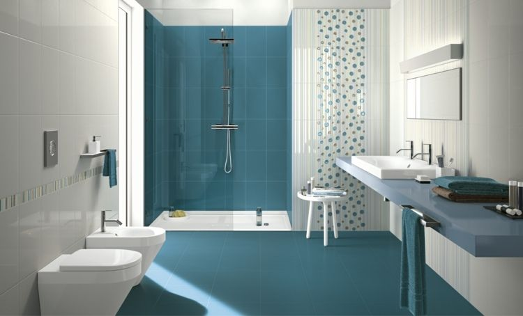 Carrelage salle de bain bleu - idées désobéissant à la banalité - photo faience salle de bain