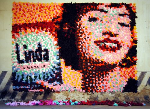 "4,800 colored napkin portrait ""Linda"" by artist Tommaso Garavini"
