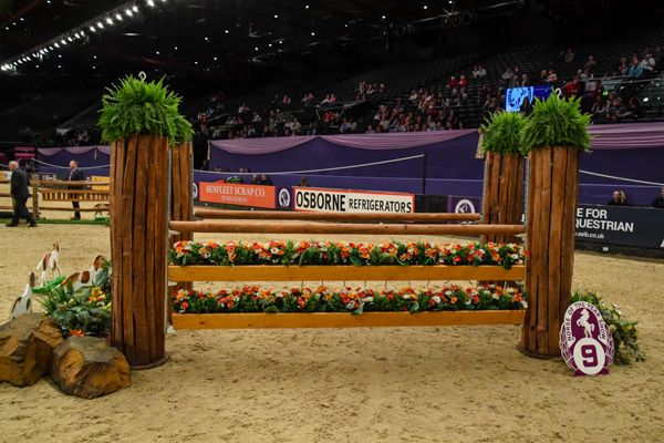 Trade Stands Hoys 2015 : Hoys working hunter course pictures 2017: would you jump it