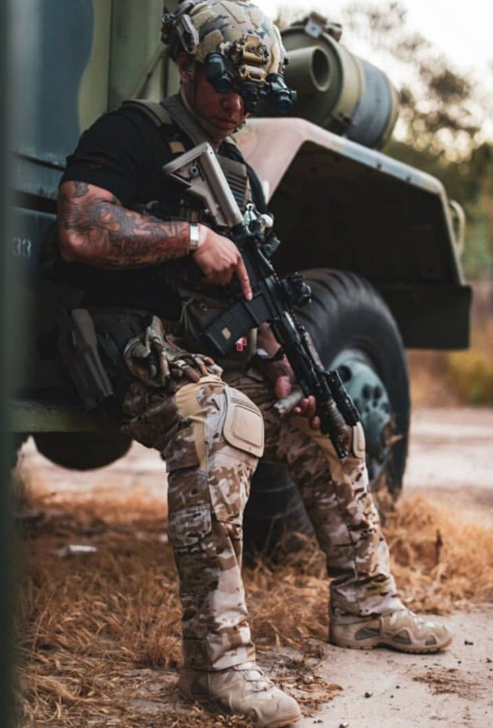 Pin By Cameron On Tactical Life Tactical Life Green Beret Special Forces