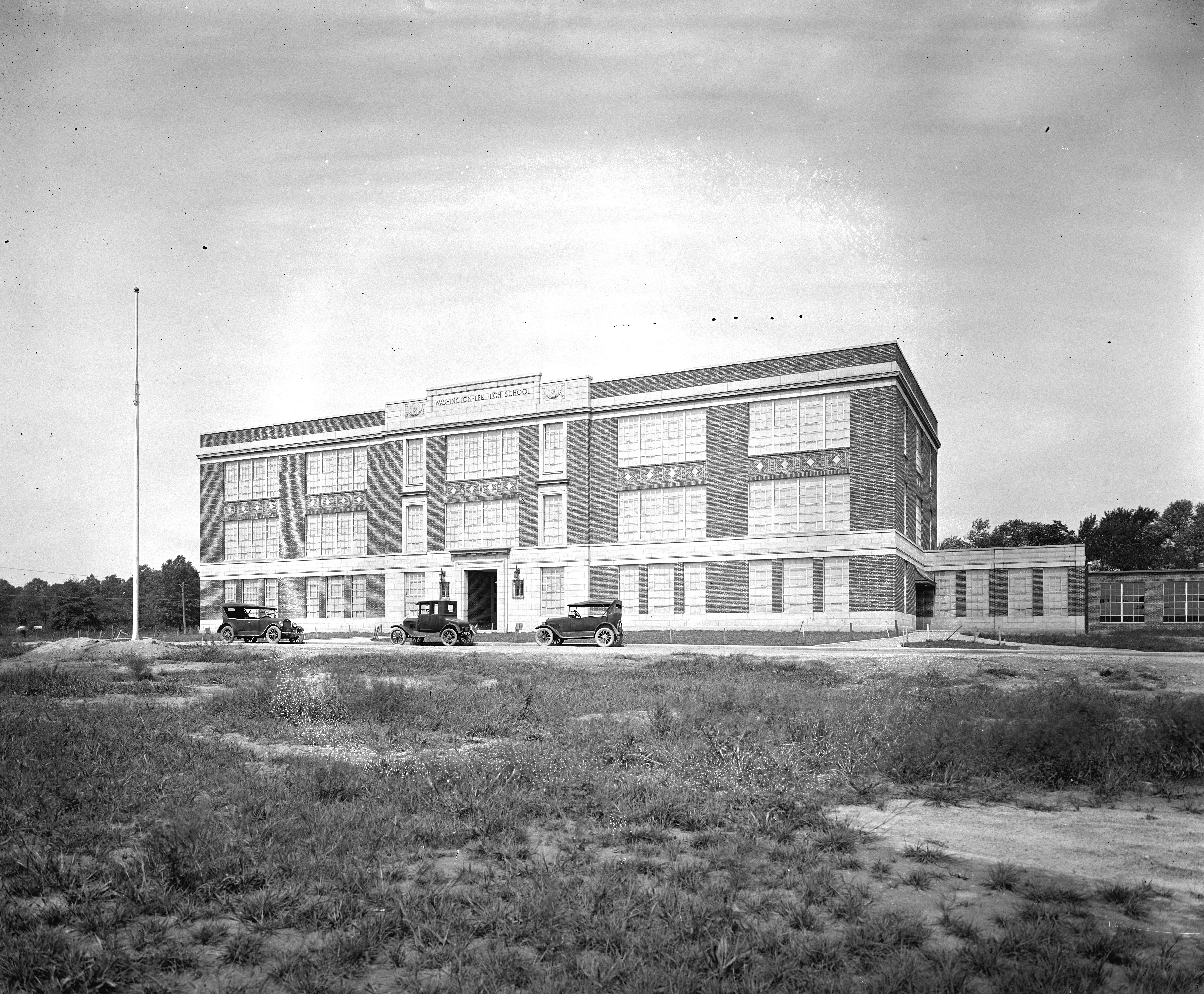 fairfax virginia anchorage motel nice 1950s cars postcard