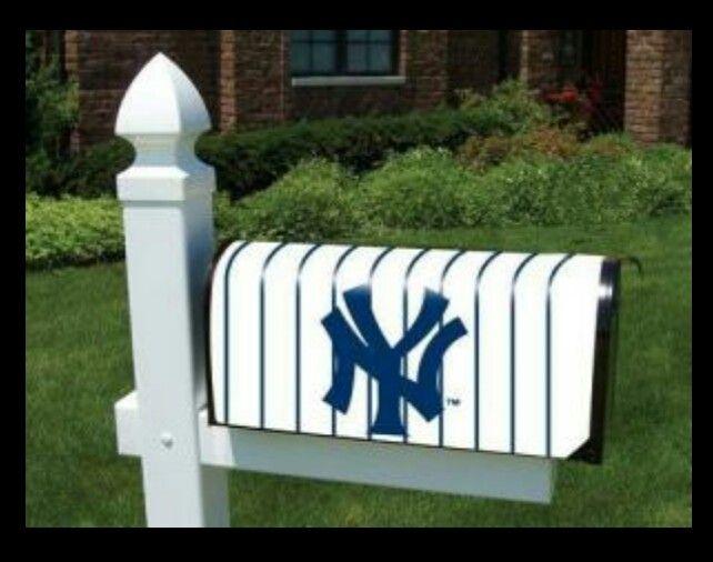 Yankees Mailbox Painted Mailboxes New York Yankees Yankees Baseball