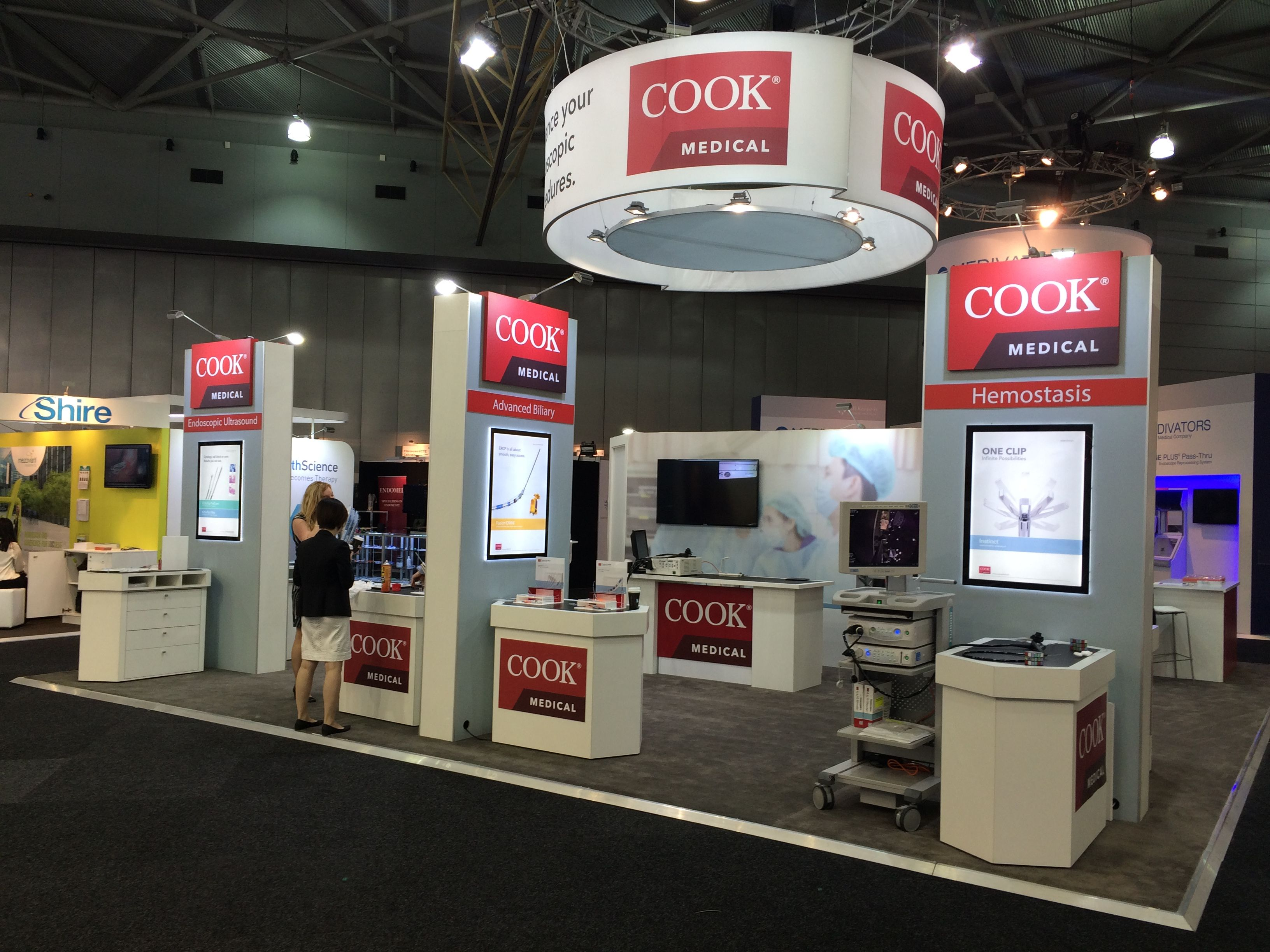 Custom Exhibition Stand Quotes : Custom exhibition stand with a rigged overhead banner and