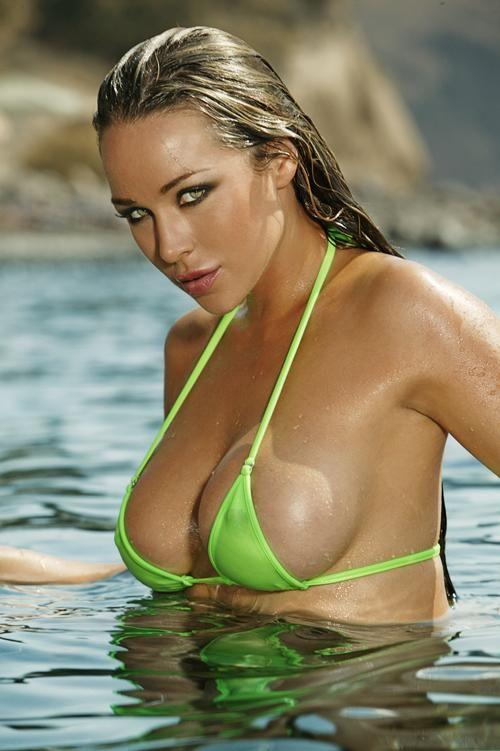 Amazingly sexy nude girls