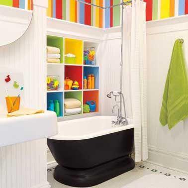 La salle de bain enfant mise sur les couleurs déco | Pinterest ...