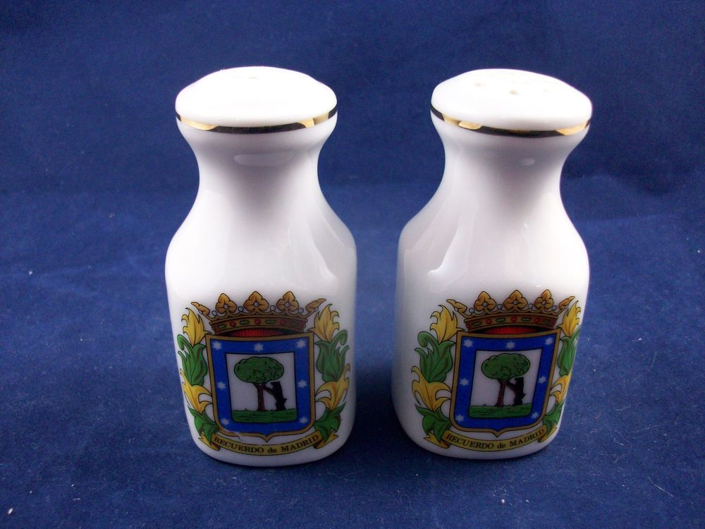 Souvenir-Recuerdo-de-Madrid-Spain-Novelty-Salt-amp-Pepper-Shakers-S60B21 http://stores.ebay.com/snpshakers