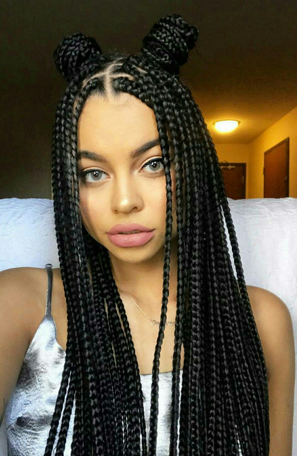 A quin no le viene  Makeup in 2019  Pinterest  Box braids hairstyles Box braids styling