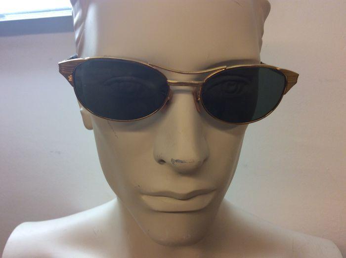 dfa99a1c45cc2c Ray-Ban zonnebril dames heren Prachtig vintage zonnebril uit de jaren  60  goudkleurig