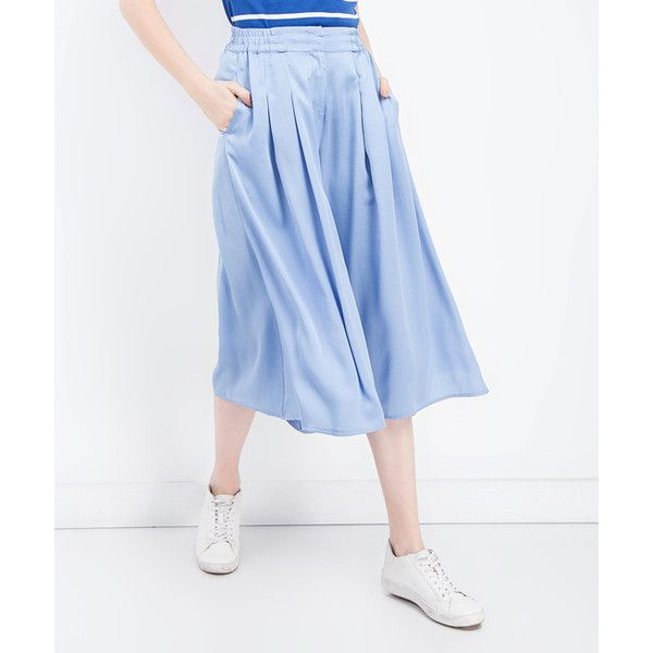 BGN Blue Pleated Gaucho Pants (€42) ❤ liked on Polyvore featuring pants, capris, tailored pants, blue trousers, bgn, tailored trousers and blue pants