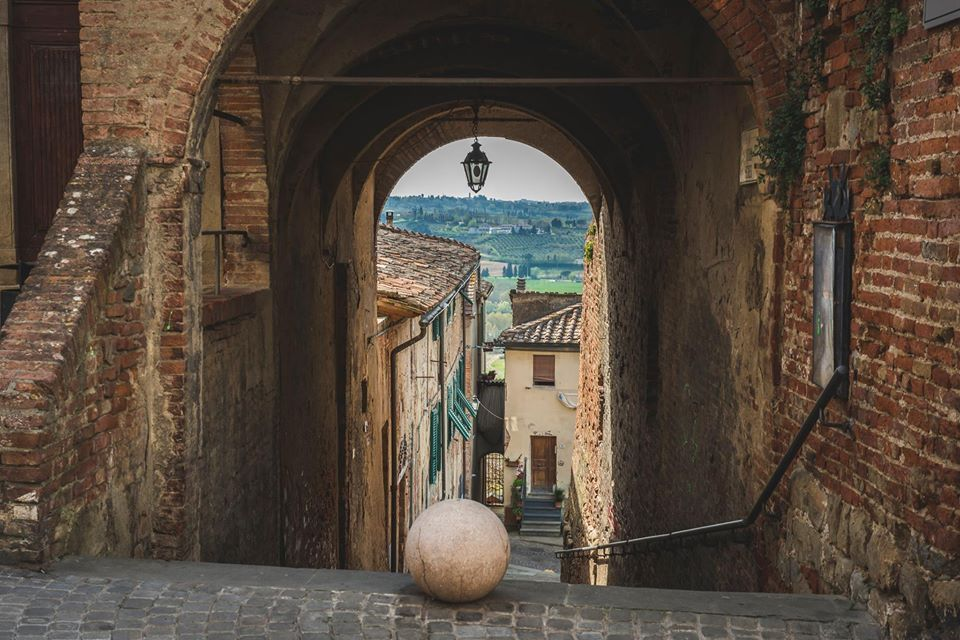 Peccioli: the Valdera terrace at a step away from the sky ~ by Matilde Cirini