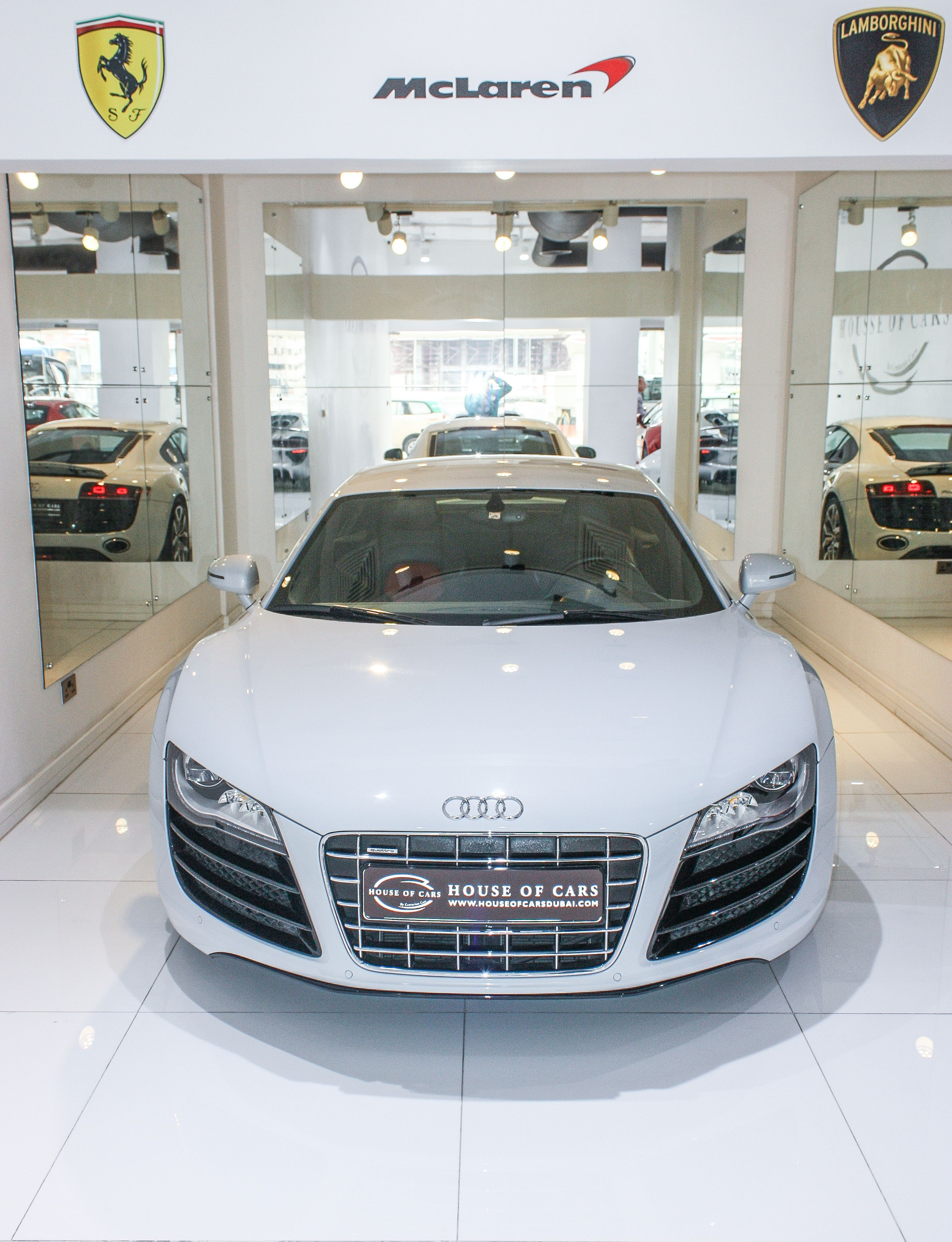 Audi R8 V10 2013 25 000 kms Gulf Specs price 240 000 aed