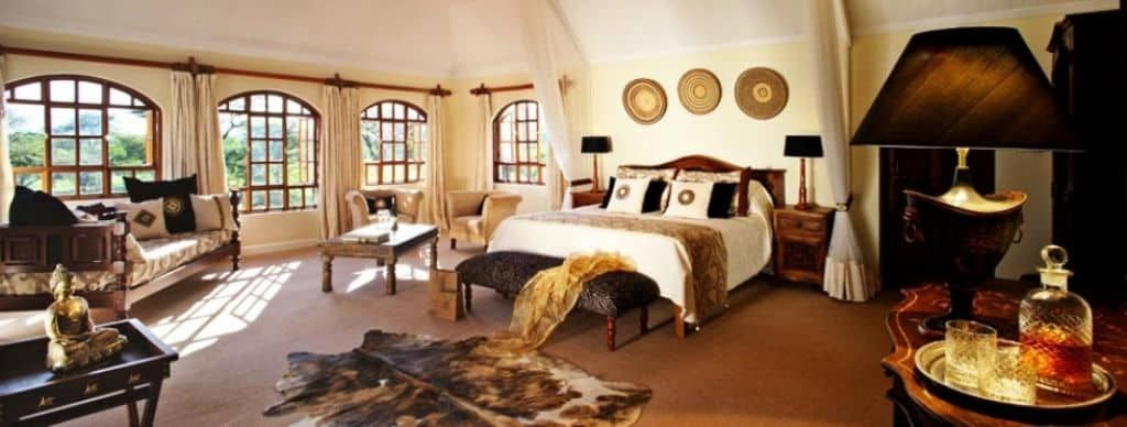 Creating Safari Bedroom Theme is part of bedroom Themes Nature - You might be interested in a safari bedroom theme  Natural materials like plants, rustic wood furniture, and unbleached fabric are ideal for a safari bedroom theme