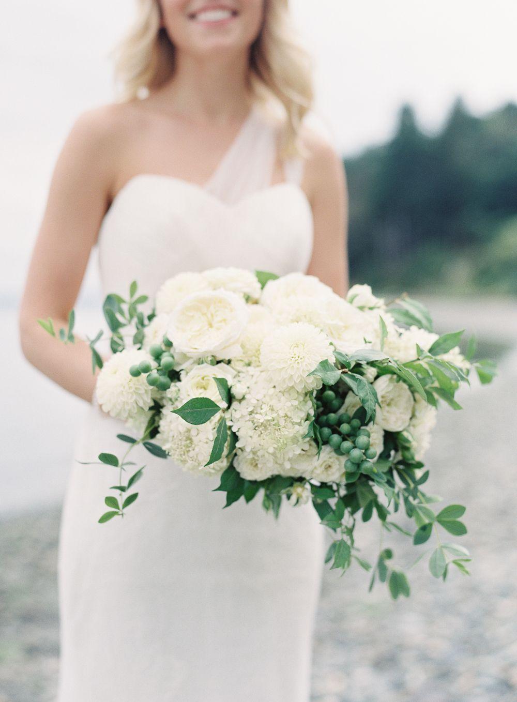3 Simple Beach Wedding White Green