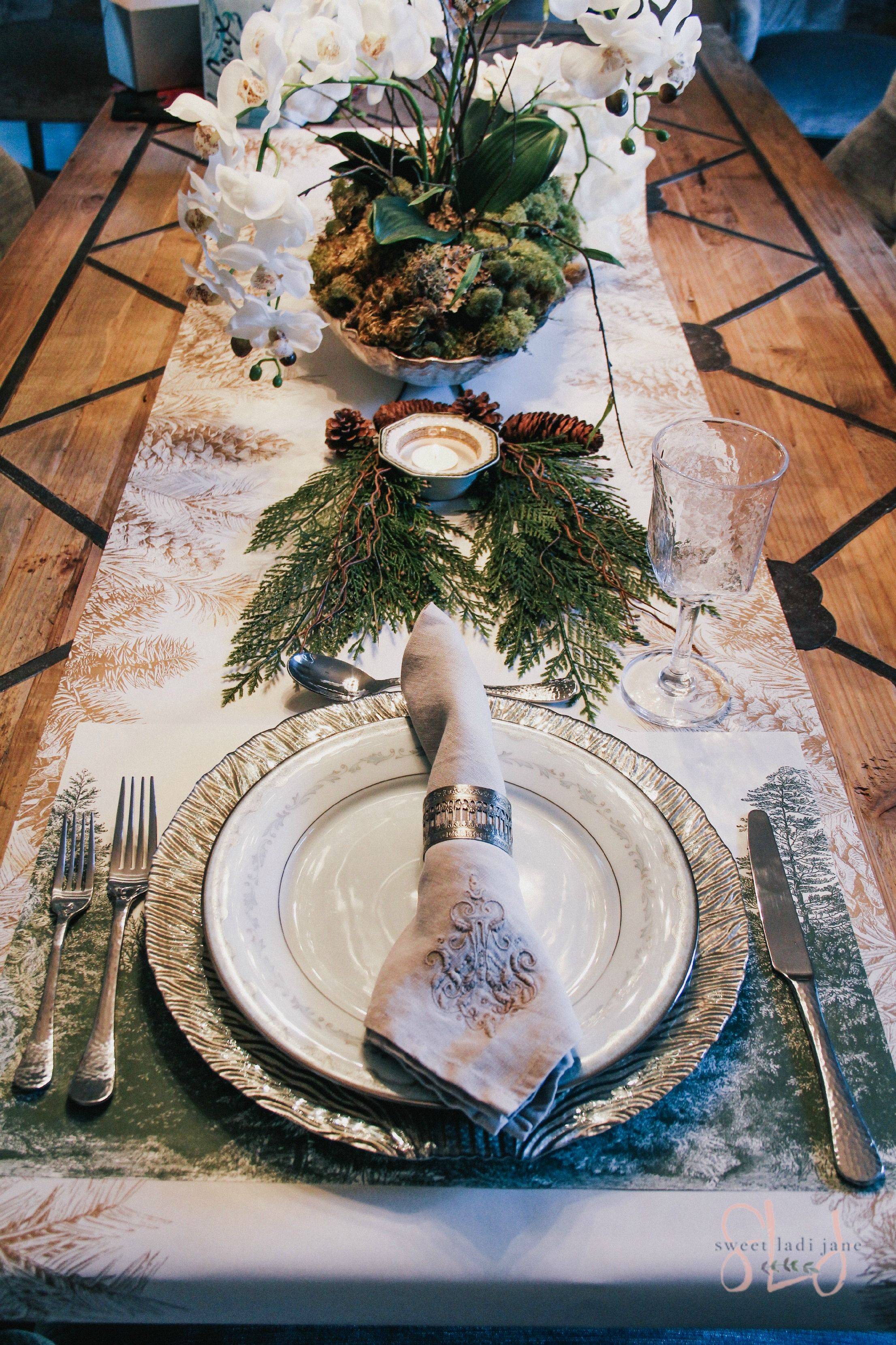 I love pulling together different pieces to set my Christmas table ...