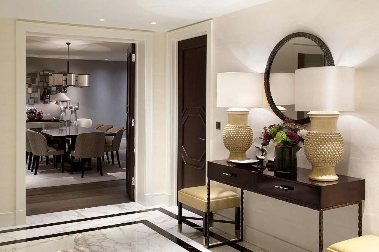 Foyer Apartments Clapham South : Apartment foyer console table décor stained doors
