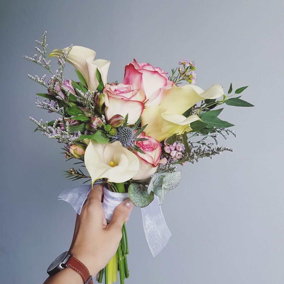 Korean Style Bridal Bouquet Pastel Colour Roses With White Creamy Calla Lilies Flower Bouquet Wedding Bridal Bouquet Calla Lillies Bridal Bouquet
