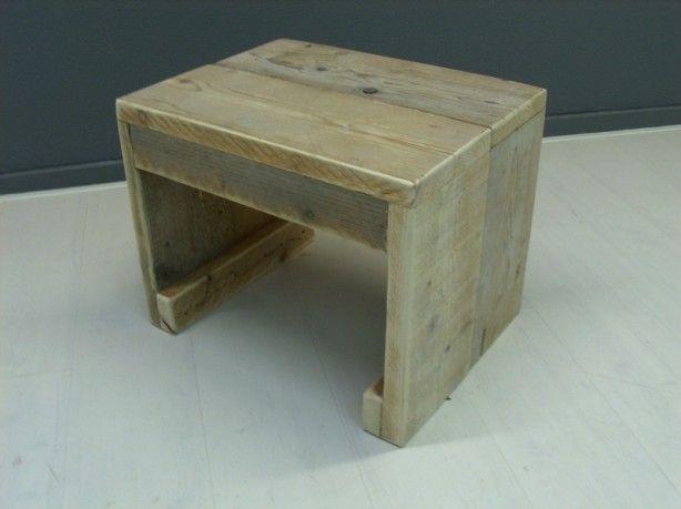Zelf krukje maken van steigerhout decoratie for Zelf meubels maken van hout