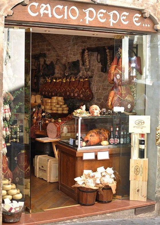 Pin de ana de la hoz en tiendas antiguas fachadas de for Tiendas de muebles para restaurantes