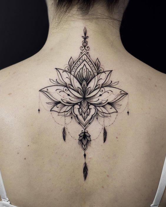 557 Tatuajes De Flores De Loto Por Partes Del Cuerpo Tatuaje De Flores En La Espalda Tatuajes Flor De Loto Espalda