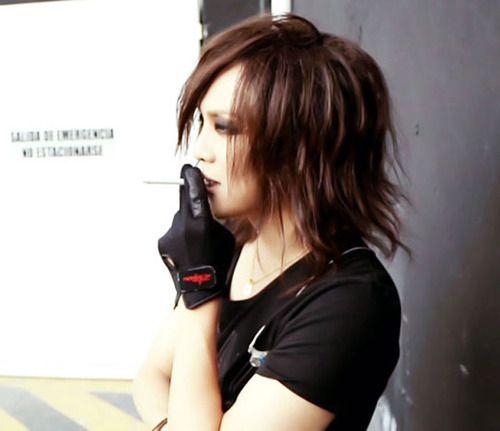 Kai-san (the GazettE) ooh! Love his hair here! ♡