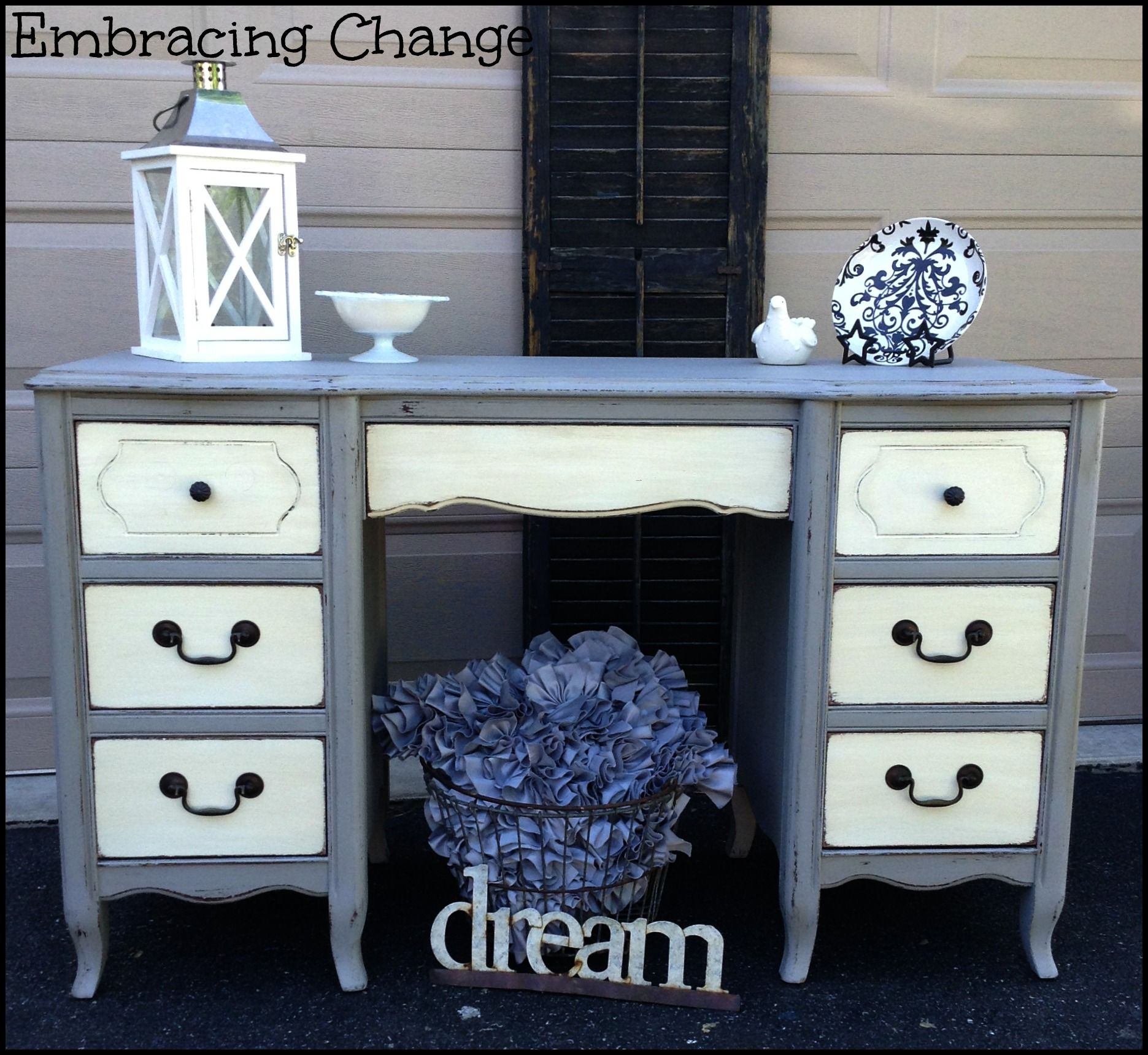 two tone painted furniture. Two-Toned Desk #DIY #paintedfurniture #twotoned - Www.countrychicpaint.com Two Tone Painted Furniture U