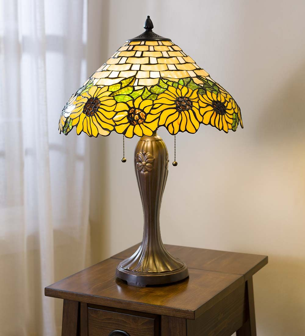 Sunflower Tiffany Table Lamp Lamps Our Exquisite Sunflower Tiffany Table Lamp Will Be Sure To Add Sunshine To Tiffany Table Lamps Lamp Stained Glass Lamps