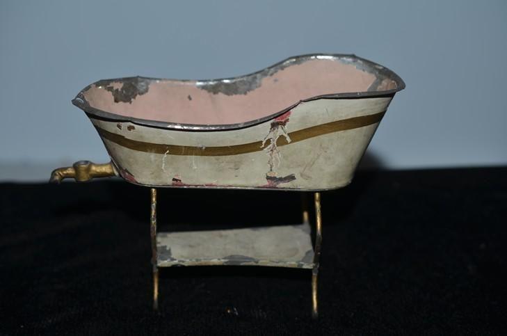Antique Doll Miniature Tin Bath Tub On Legs Dog Head Spout