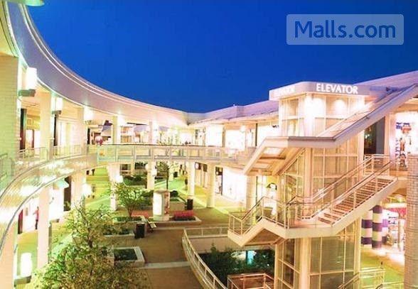 Oakbrook Center Super Regional Mall In Chicago Area Illinois Usa Address 100 Oak Brook 60523 1838