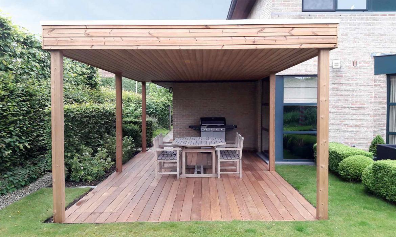 Hout pergola dekking zelf overkapping bouwen met plat dak van