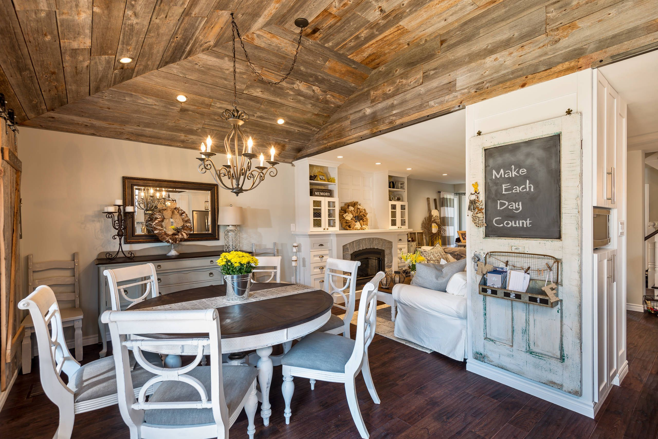 36 Shabby Chic Family Room Designs And