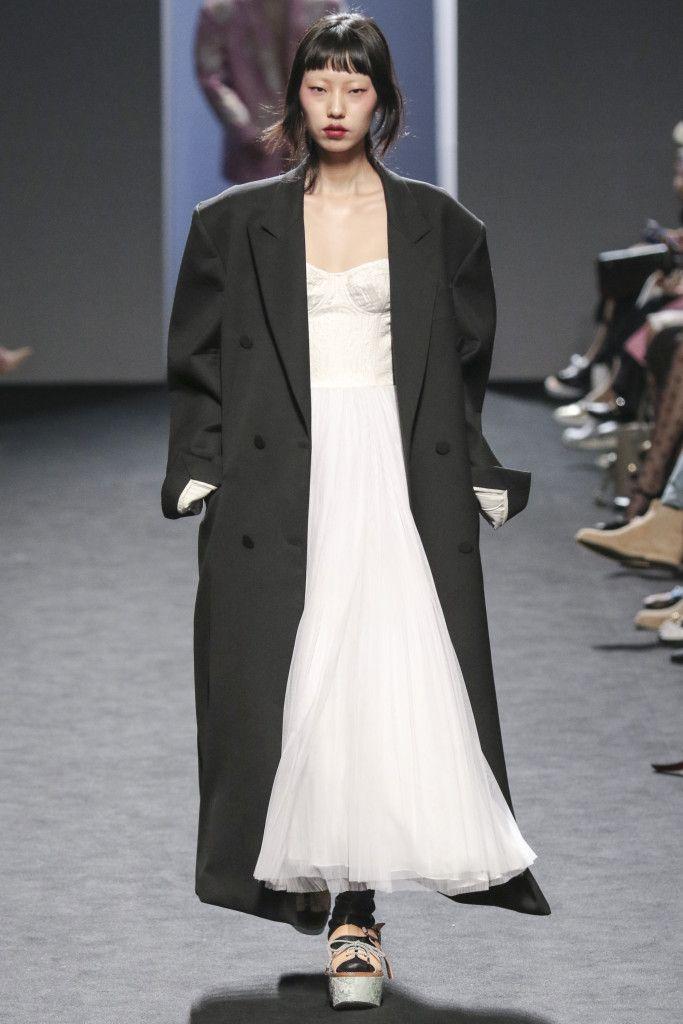 Vogue.com | Seoul Collection 2016 F/W PUSHBUTTON