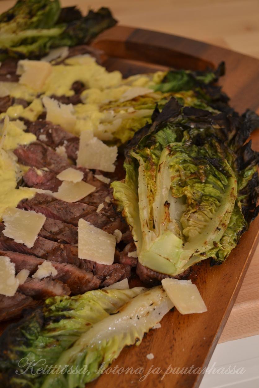 Ribeye pihvit ja grillattua sydänsalaattia