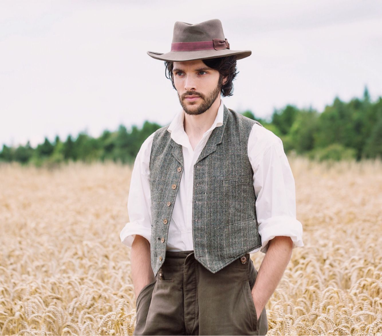 Colin Morgan in The Living And The Dead 1x03 *re-edit, Source: http://www.farfarawaysite.com/section/living/gallery3/gallery.htm