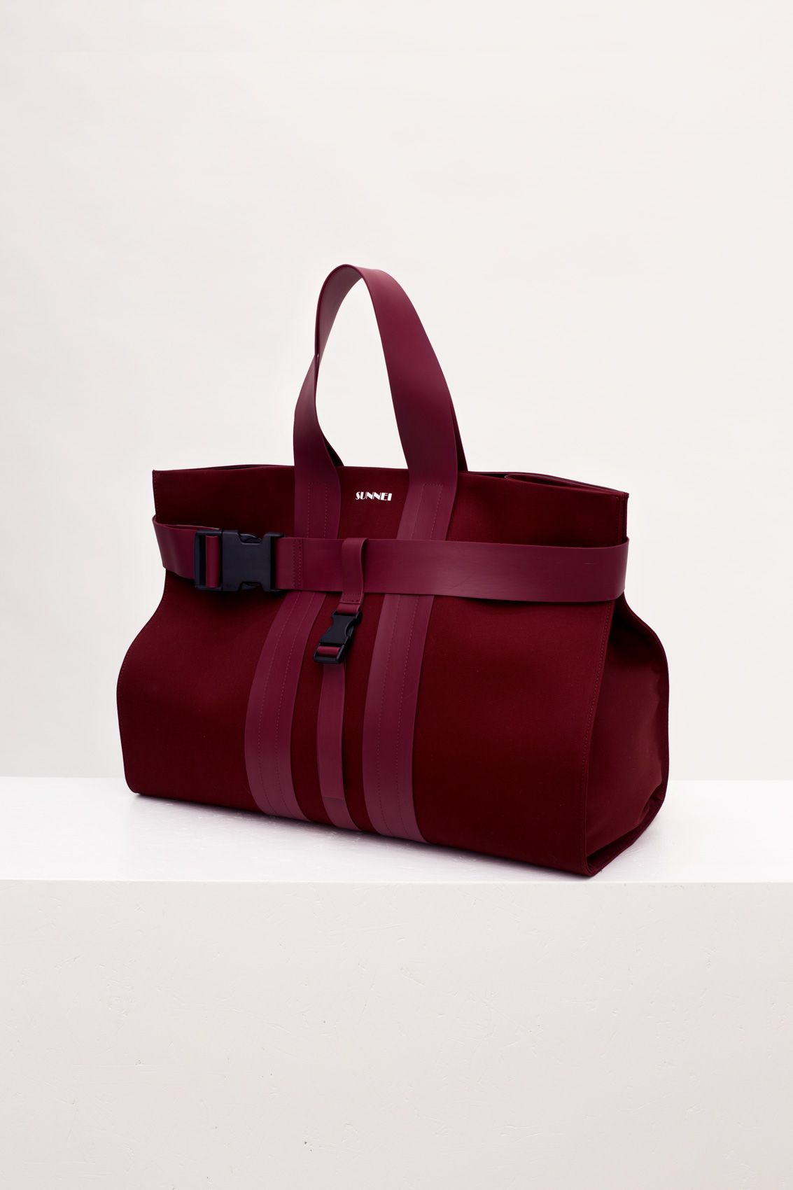 c9b3748762c Bordeaux messenger bag in 2019 | Product ideas | Bags, Gym bag, Fashion