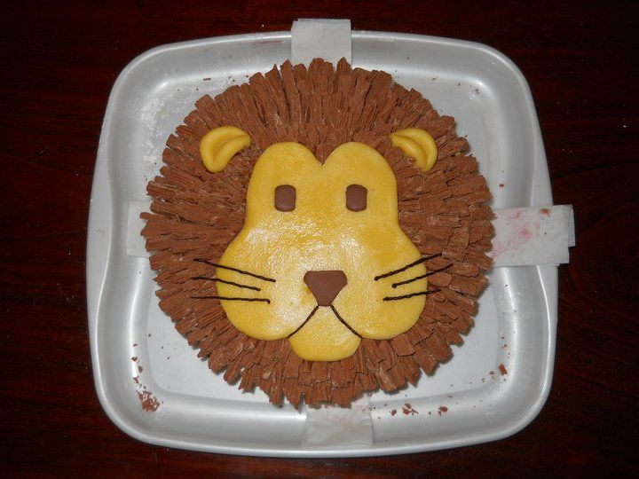 Birthday cake for Leo Lion Sweet Eats Pinterest Lion cakes