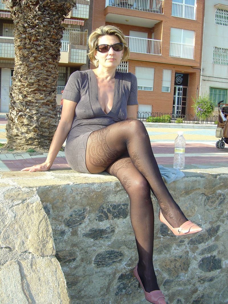 Hot milf secratary pictures
