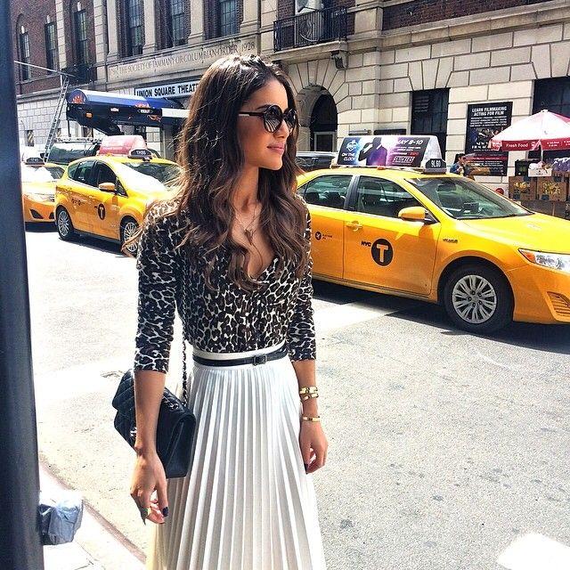 Hello NYC!💛 Meetings all day, so happy that it's such a gorgeous day out! --------- Em Nova Iorque! Dia cheio de reuniões, super feliz que o clima está maravilhoso! #nyc